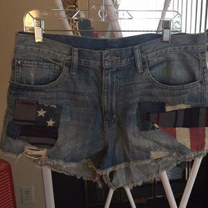 Rugged jean short